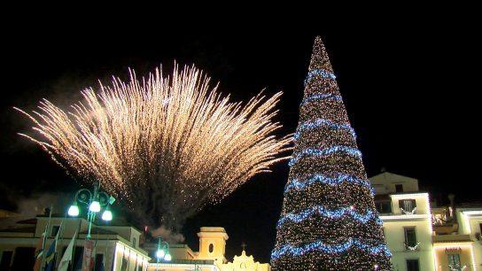 Alvin Superstar alla Festa di accensione dell'Albero di Natale